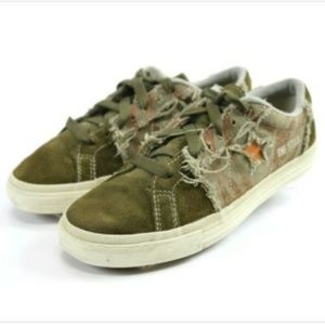 Converse Low Top Casual Sneakers Men's Size 7.5